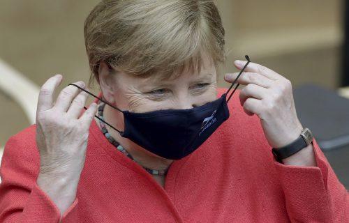 Angela Merkel izdala ALARMANTNO upozorenje o koroni! Od ovih reči drhti svet, čeka nas HAOS