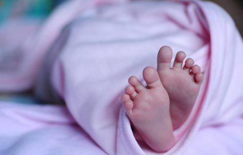 Marijana POBEDILA koronu, pa rodila devojčicu na Svetog Iliju: Radovali se i doktori iz Vranja