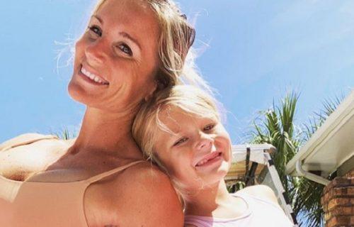 Kakva majka, takva ćerka: Sedmogodišnjakinja diže TEGOVE kao igračke dok je lepa mama hrabri (VIDEO)