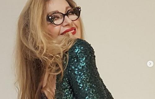 Danica Maksimović se skinula u 67. godini: Ceo Instagram ZINUO kada je video njeno telo! (FOTO)