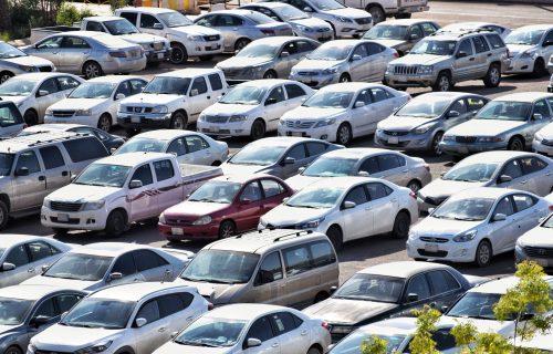 """Mercedes košta 2.000 evra, a """"Stojadin"""" neverovatnih 75! Država prodaje 140 automobila"""