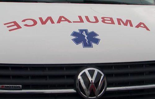 Saobraćajna nesreća kod Vrčina: Povređene dve osobe, prevezene u Urgentni centar