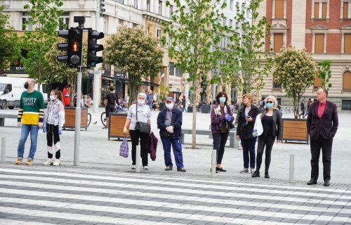 Ovo je jedini bezbedan način nošenja maske: Mnogi Srbi greše u startu