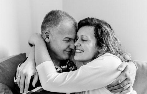 Ožalošćeni muž posle suprugine smrti poslao POTRESNO pismo njenoj FRIZERKI (FOTO)