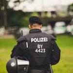 Horor u Nemačkoj: Izrešetao muškarca i ženu pa POBEGAO, policija intenzivno traga za osumnjičenim