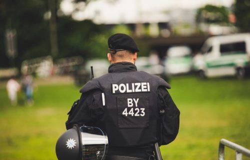 Detalji KRVOPROLIĆA u Švajcarskoj: Sumnja se na TERORISTIČKI napad, uhapšena žena vikala jezive reči