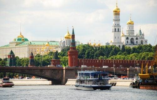 Moskva uzvratila UDARAC: Britanskim zvaničnicima ZABRANJEN ulazak u Rusiju