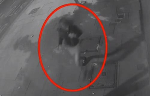 Kamere snimile seksualnog predatora (30), svi su bili šokirani kako je obučen (VIDEO)