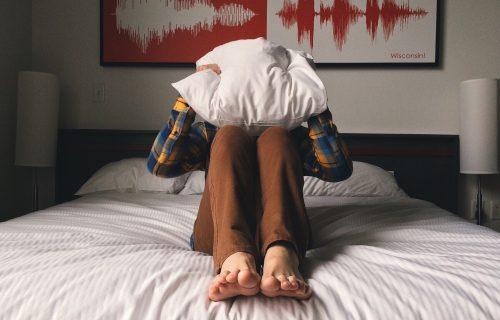 Ujutru se budite MRZOVOLJNI? 8 stvari koje MORATE da uradite da vam dan ne počne loše