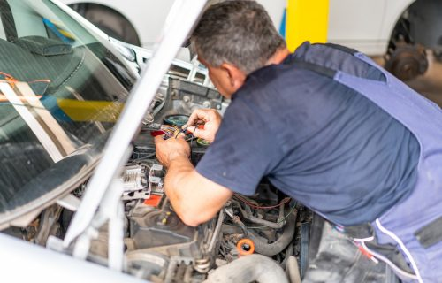 Elektronika nije bauk: Kvarovi na kolima koje VREDI popraviti