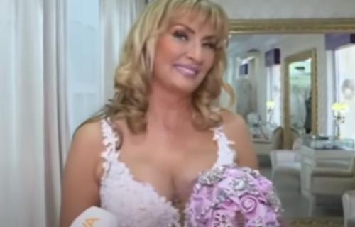 Ona je danas ZANOSNA: Isplivao SNIMAK sa početka karijere, pevačica ne liči na sebe (VIDEO)