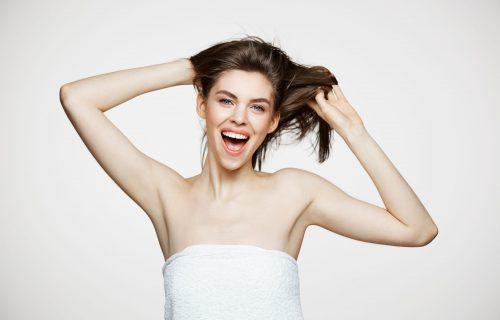 Samo jedna NAMIRNICA je potrebna ako želite da vam kosa BRŽE poraste (RECEPT)