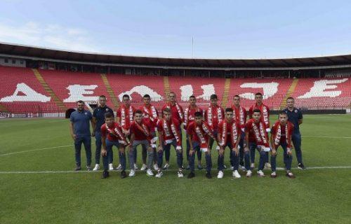 Zvezda predstavila 17 novih klinaca: Od njih se očekuje da budu BUDUĆNOST kluba