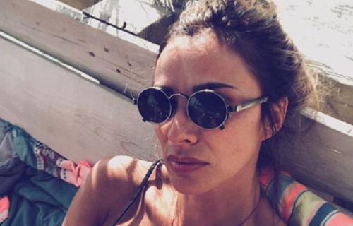 Marina Tadić objavila sliku u KUPAĆEM, a svi gledali u ono što joj VIRI ispod donjeg dela kostima