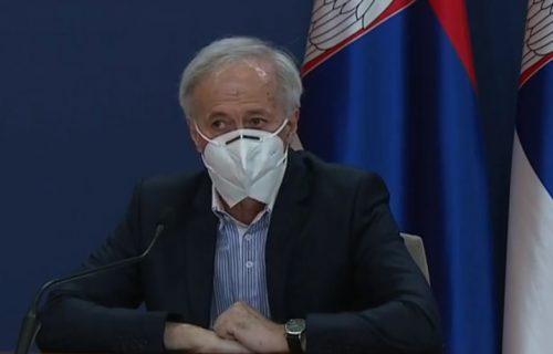 Dr Pelemiš danas je na konferenciji nosio SPECIJALNU masku: Preporučuje je SZO, a evo koliko košta (FOTO)