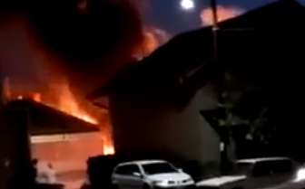 Tri EKSPLOZIJE u Kladovu: Stanari uznemireno iz zgrada ISTRČALI napolje (VIDEO)