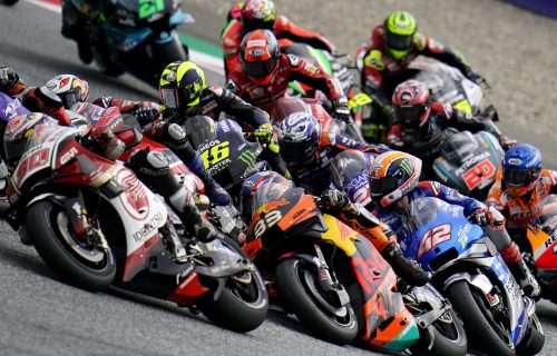 Neverovatna tragedija: Mladi motociklista (14) poginuo tokom trke (FOTO)