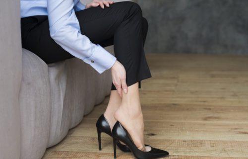 8 GREŠAKA koje pravimo kad kupujemo novu obuću, a nismo ih svesni: Stvaraju PROBLEM sa leđima i stopalima