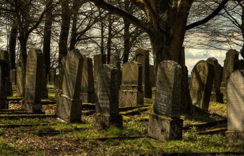 Na ovom mestu tvrde da mrtvi OŽIVLJAVAJU: Potrebno je jedan jeziv ZNAK ucrtati na grob i 3 puta ga obići