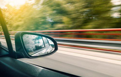 Stanje na putevima: Veći broj vozila na ulicama pred početak vikenda