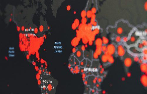 CRNE BROJKE u celom svetu: Broj zaraženih prešao 45 miliona, samo u Americi više od 230.000 žrtava