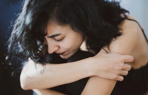 Ada je mislila da je ubola PREMIJU, a kada je verenik video šta piše na Fejsbuku - ZGROZIO se!