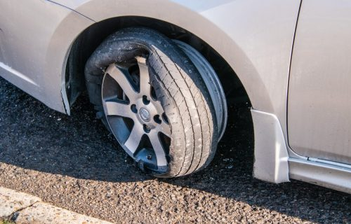 Zašto gume češće pucaju u letnjim mesecima? Evo saveta za bezbednu vožnju