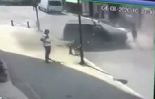 Džip pokosio tri pešaka, NAJJEZIVIJE je bilo kada je krenuo UNAZAD: Snimak od kog zastaje srce (VIDEO)