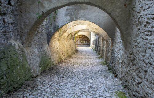 Otkriven TAJNI TUNEL na granici Srbije! Pronašli ga i ZATRPALI odmah