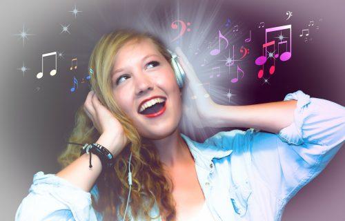 Naročito prija ako radite od kuće: 7 razloga zbog kojih je korisno da odmah pustite muziku