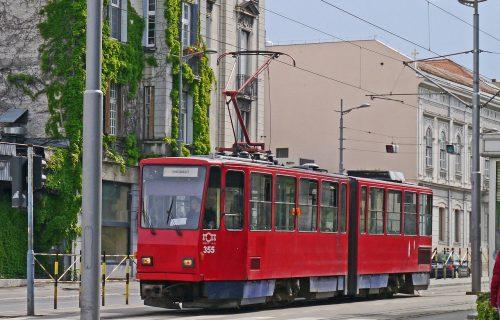 """""""Majke i očevi, gde će vam DUŠE?"""": Poruka iz beogradskog tramvaja izazvala BURU u javnosti (FOTO)"""