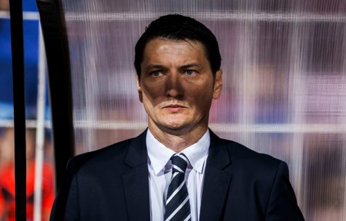 Od skandinavskog Džerarda Batlera do člana bande: Navijači prozivaju Ivića zbog nagrade! (FOTO)