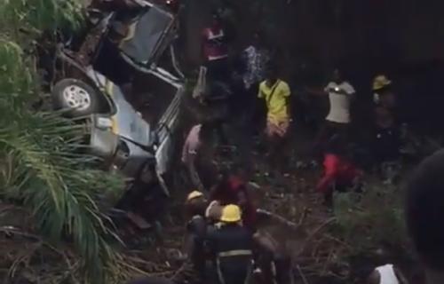 UŽAS! Osmorica fudbalera TRAGIČNO nastradala: Klupski autobus upao u reku (VIDEO)