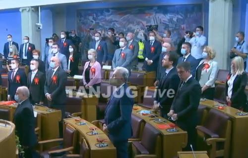 Crna Gora dobija novu vladu: Abazović i Bečić podržali Krivokapića (VIDEO)
