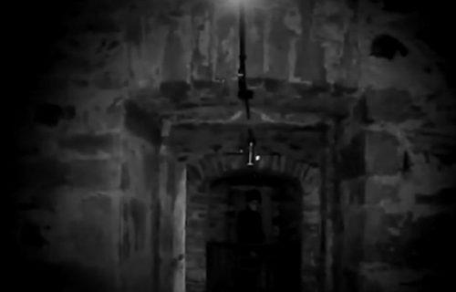 Duhovi u napuštenom zatvoru: Došli u zgradu da vide odakle dopiru čudni zvuci, pa se PRESTRAVILI (VIDEO)