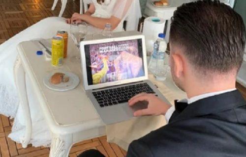 Smučilo joj se venčanje: Mladoženja poneo laptop na svadbu i igrao igrice pred ženom (FOTO)