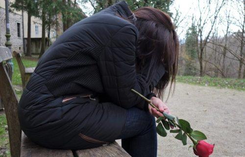 Vrištala i bacala stvari po kući: Bivši muž oženio 12 godina stariju taštu, ćerki PALA ROLETNA