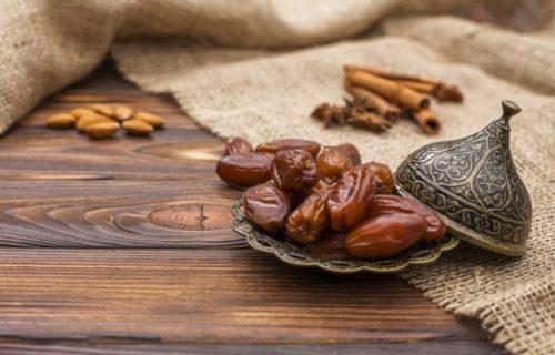 Odlična su zamena za beli ŠEĆER, sadrže minerale i ublažavaju bol: 5 razloga da redovno jedete URME