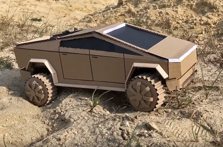 Pogledajte Cybertruck od KARTONA u opasnoj off-road vožnji! (VIDEO)
