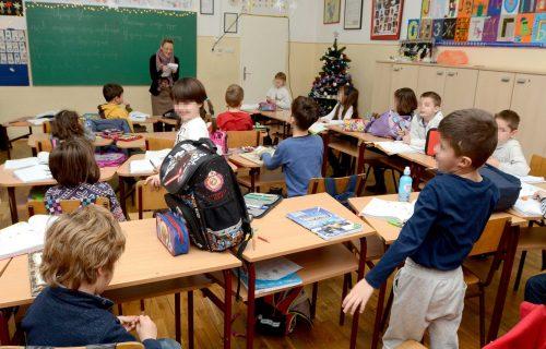 VAŽNA vest za sve đake! Produžena školska godina, pomereni i maturantski ispiti, a evo i koliko dana