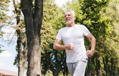 Naučnici potvrdili: Zdrave navike produžavaju životni VEK čak i do 8 GODINA! Evo šta to podrazumeva