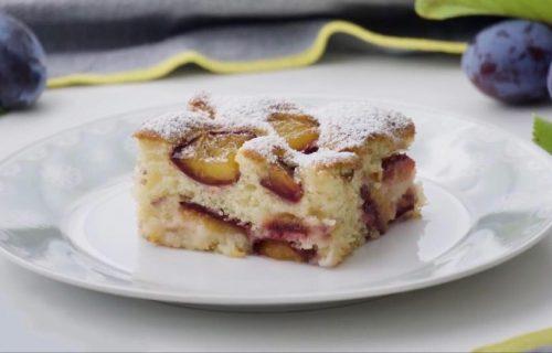 Jednostavan desert za prave sladokusce: Vazdušasti kolač sa šljivama (RECEPT+VIDEO)