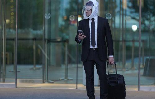 """AIR glavu čuva: Da li biste hirušku masku ZAMENILI """"svemirskom"""" kacigom (VIDEO)"""