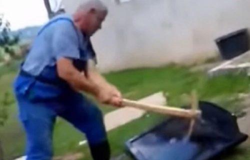 Mirsad nije mogao više da sluša vesti o KORONI, pa KRAMPOM razbio televizor (VIDEO)