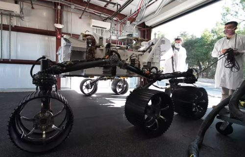 """Svemirski rover Perseverance ima """"brata"""" blizanca, čija je uloga IZUZETNO važna (VIDEO)"""