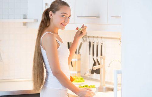 Namirnice koje pomažu u procesu MRŠAVLJENJA, a koje možete da jedete 30 minuta pre SPAVANJA
