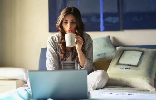 Ne možete da se naviknete na rad od KUĆE? 4 načina da budete MOTIVISANI i fokusirani