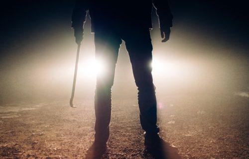 Hrvat MAČETOM ubio rođenog BRATA: Pojavio se krvav kod komšinice i rekao joj JEZIVE stvari!