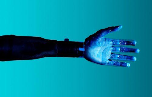 """Budućnost je stigla: Protetička ruka """"Hannes"""" radi sve kao i ljudska (VIDEO)"""