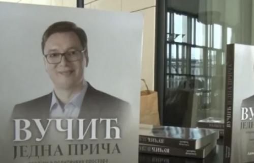 """Promovisana knjiga posvećena predsedniku Srbije """"Vučić, jedna priča - Osvajanje političkih prostora"""""""
